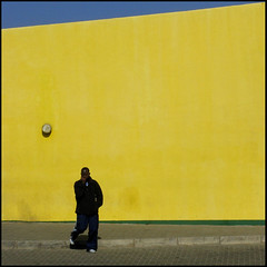 Geometry (It's Stefan) Tags: africa people urban man guy lines yellow linhas wall walking pavement geometry stripes streetlife pedestrian sidewalk amarillo gelb walker promenade mann namibia walkers gomtrie lignes gehen  windhoek streifen acera geometria lneas onestep linien     spaziergnger  windhuk   karmanominated  fusgnger aigams    stefanhoechst