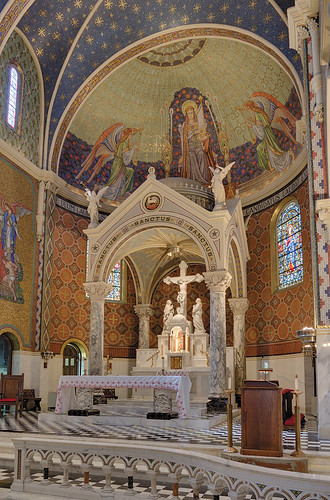 Saint Cecilia Roman Catholic Church, in Saint Louis, Missouri, USA - sanctuary 1