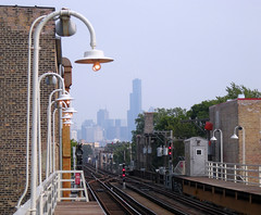 This is Chicago (Guillaume Boisseau) Tags: urban usa chicago public architecture train subway geotagged illinois nikon cta metro searstower eltrain treni 5photosaday abigfave p1f1 guillaumeboisseau coolpixs510 geo:lat=41909814 geo:lon=87677485