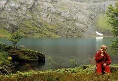 Regndalen - Rain Valley (Martin Ystenes - hei.cc) Tags: boy red mountain lake mountains green nature norway landscape norge natur norwegen norwegian loveit fjord 1001nights landschaft fjords vann fjell norvege vestlandet sunnmre greenwater mreogromsdal bestpic supershot sykkylven sunnmrsalpene sunnmrsalpane mywinners theunforgettablepictures concordians goldstaraward top20greenish flickrestrellas thebestofday gnneniyisi worldtrekker sykylven ystenes mallmixstaraward loveitalwayscomment5 worldtreekker sykkelven sykkulven martinystenes sykulven sykelven