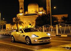 Aston Martin Vanquish in Dubai (Martijn Kapper) Tags: night dubai nightshot martin united emirates arab abu dhabi 2008 martijn aston jumeirah vanquish kapper carspotting autospotten