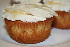 caramel cupcake 2 (by floreksa)