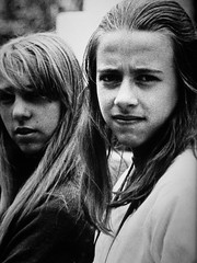 Mi hermana (. M a r t @ . ♦♦) Tags: family girls portrait bw santafe byn argentina rolleiflex analógica sister retrato rosario hermana 12años photobymyfather mbm55 editionbymbm55 negativo6x6 adoroelgranodeestaspelículas
