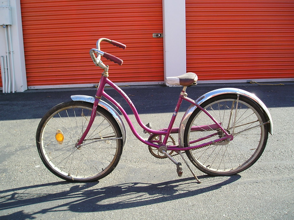 Vintage 1970S Woman's Small Schwinn Hollywood