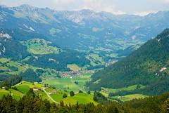 Swiss alpine landscape (estenvik) Tags: mountain rural landscape schweiz switzerland scenery suisse bern erik agriculture sveits fjell landskap kulturlandskap stenvik sveits2008 estenvik