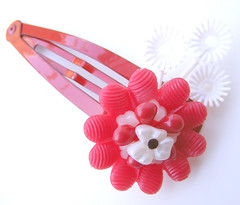 Red and White Vintage Flowers Barrette