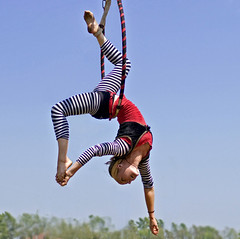 Tribal Circus at the Medieval Fair    2008 (tomfs) Tags: oklahoma festival sony cybershot fair medieval norman jade acrobatics faire acrobat f828 renaissance dscf828 aerialacrobatics cybershotdscf828 tomfs tribalcircus