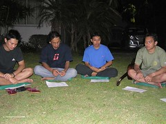 Berdoa...mulai (oktagerard) Tags: baru komunitas 0708 johar