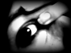 ( sfuggevole ) Tags: blackandwhite woman selfportrait me girl self eyes hands hand bodylanguage mani io occhi blanc occhio negre dita biancoenero corpo blancinegre particolari frammenti unghie malditesta lanouvellerevolutionsurrealiste frammentidime carnalmente kubrickslook psychoflickr lavorosudime