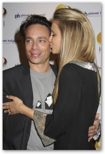 Sunshine Tutt kissing Chris Kattan