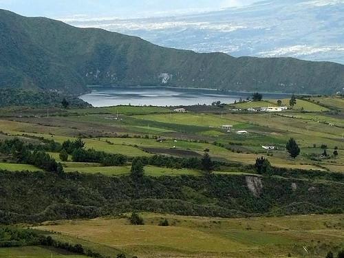 Ecuador-acreage-lake