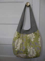Birdie Sling Bag class (the workroom) Tags: oversized handbag amybutler treepeony theworkroom birdiesling happydots