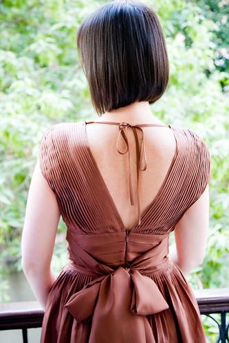 フリー写真素材, 人物, 女性, 後ろ姿, ドレス, ショートヘア,
