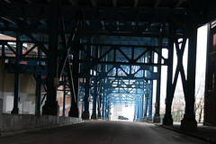 2008Cleveland_158 (emzepe) Tags: bridge blue ohio usa america us steel united cleveland under structure pont oh states amerika brcke 2008 19 hd tavasz kirnduls stahl acier prilis amerikai kk acl egyeslt llamok szleimmel aclszerkezetes aclszerkezet