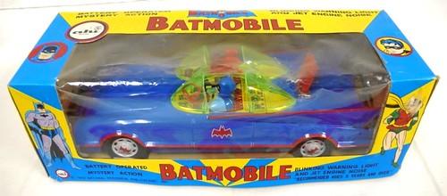 batman_ahitinbatmobile1.jpg