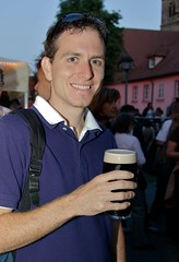 Me enjoying  a Guiness (Joggl) Tags: portrait joerg goldennight