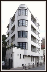 Maison dite villa Ternisien [1934]- Boulogne-Billancourt (RUAMPS ) Tags: france art architecture architect internationalstyle 30s corbusier dco boulognebillancourt architecte artdco styleinternational estilointernacional pingusson internationalerstil ternisien ruamps