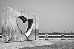 Lonely Heart (Shakir's Photography) Tags: sea white black scale statue contrast high heart gray sharp clear lonely jeddah artifact   shanko                  platinumphoto