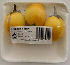 Gele thaise aubergines, golfbalgrootte