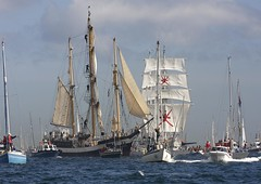 Falmouth Tall ships (doublejeopardy) Tags: sea water canon boat cornwall ship craft sail tall local falmouth escort squarerigger movingwater goldenglobe traditionalwoodenboat ef70200mml tallshipscornwallmeet
