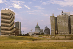 Old Courthouse & some neighbors (twm1340) Tags: building tower saint st louis mo missouri gateway pierce cbs showme kmox