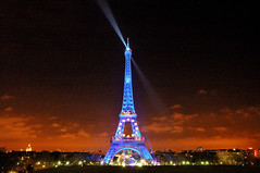 Blue Eiffel Tower (erikomoket) Tags: lighting blue light paris france night stars lights star nikon d70 lumire eiffeltower illumination eiffel bleu toureiffel 100views 400views 200views 100 nuit soe etoile lumires toiles eclairage etoiles  toile   15faves    30faves 150views 10faves 20faves 25faves anawesomeshot ilmination ysplix empyreanlandandcityscapes goldsealofquality dragongoldaward 10favesext 15favesext 20favesext 25favesext erikomoket 30faves thecolourphotoawards brilliantphotograpfer