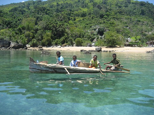 kids in canoe Nosy Komba