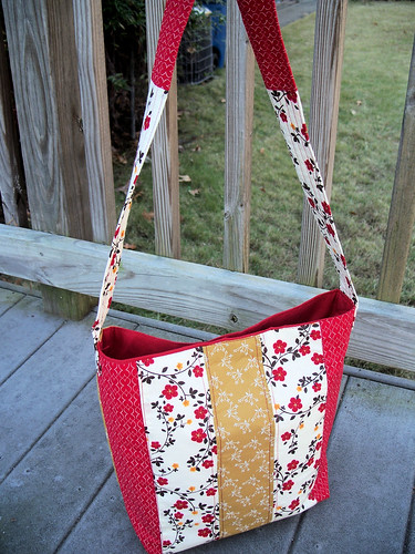 Quilted Purse Red and Cream
