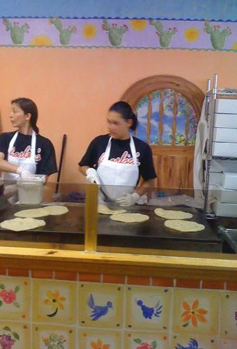 charlie-making-tortillas..