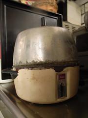 Boiled egg maker
