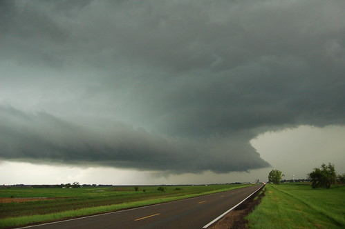shelf cloud wall cloud Nebraska storm chaser