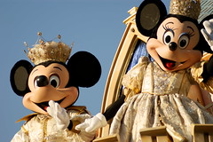 Parade of Dreams (SDG-Pictures) Tags: disneylandresort disneyland themepark anaheim southerncalifornia california orangecounty disney paradeofdreams parade june202008 disneycharacters mickeymouse minniemouse mickeyminnie mickeymouseminniemouse mouse explore explored explored437 characters costumes dressup entertainment entertaining roleplaying role roles magical makingmagic fun enjoyment happy happiness joy themeparkfun disneythemeparks disneyparade disneyparades show performance takenbystepheng