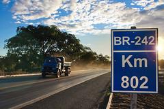 BR 242 (augusto.photo@uol.com.br) Tags: clouds nuvens km caminho 802 caamba caminhoneiro mercedesbens br242 barreirasba