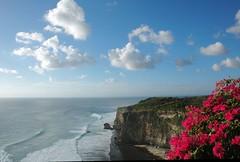 Uluwatu, Bali (Tempo Dulu) Tags: sea bali clouds indonesia landscape cliffs uluwatu 22169453n04