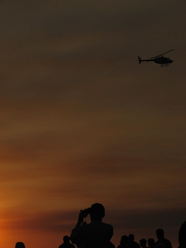 Mindil Beach Sunset with helicopter