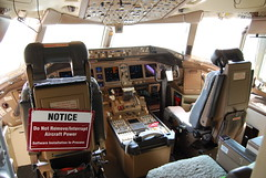 Boeing 777 cockpit, note software update in progress... 24Kviews, 16faves (wbaiv) Tags: americanairlines aa 777 dfw walkaround cockpit software installation progress do remove interupt aircraft power captians seat firstofficers copilot pilot airplane plane flying machine boeing 777200