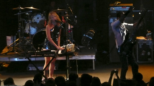08.09 Metric @ Highline (9)