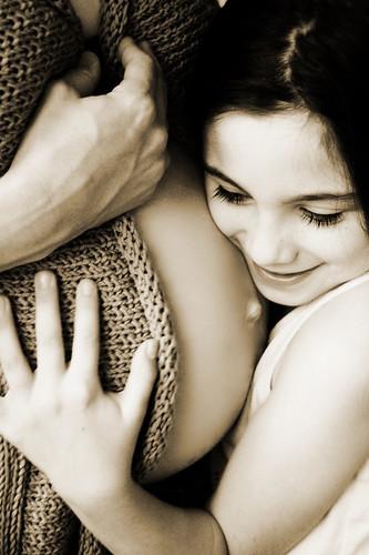 Tại sao phụ nữ có thai lại có cảm giác buồn nôn như bị say xe/say sóng vào buổi sáng?