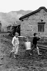 黑白童年-幫忙家事