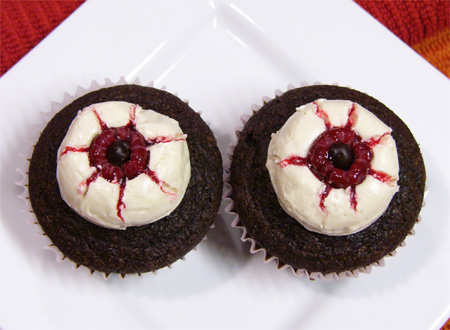 Halloweegan Eyeball Cupcakes