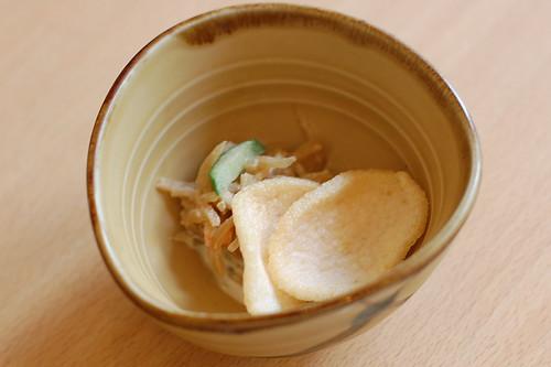 小鉢、海老煎と切干大根だっけかな?(ぶつをのうどん・宇都宮市) (by kimishowota)