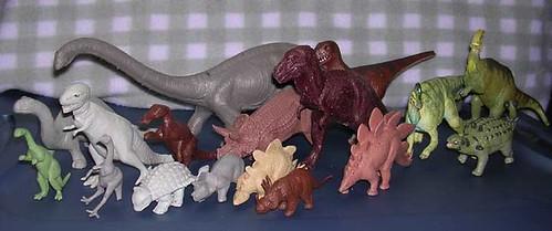 Attic Treasures - Three Decades of Dinosaur Reconstructions in Two Feet