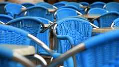 nimm blautz (Andreas Winterer) Tags: blue chairs blau stuehle