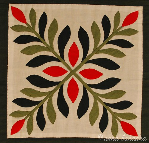 christmas table runner ivy