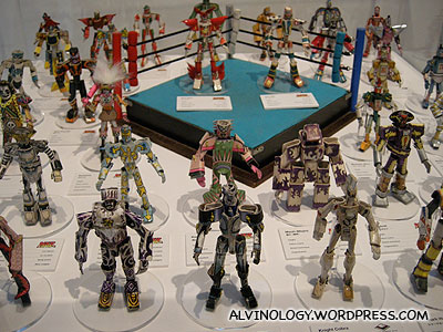Wrestling figurines made with just paper