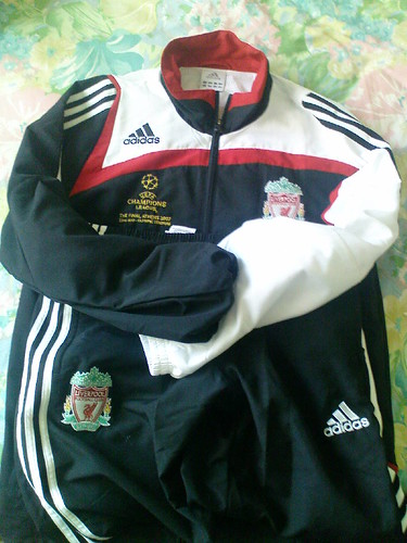 Liv0607UCLFinalsweater