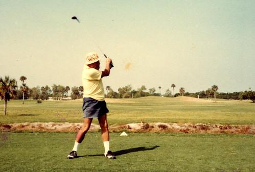 papa_golfing