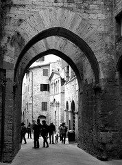 San Gimignano - Scorcio del centro storico (gengish) Tags: old city travel vacation italy panorama holiday art digital canon geotagged photo italian europa europe italia european foto village shot digitale towers picture palace farmland hills tuscany sangimignano fotografia toscana region borgo oldcity italians torri medioevo toscano a620 italiamedievale gengish anticando hccity