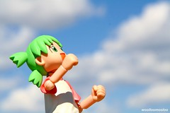 ahhh, what a beautiful day ~ !!! ^-^/ (woolloomooloo) Tags: california cute toy hope woolloomooloo kawaii canonrebelxt happyface kaiyodo encino greenhair yotsuba beautifulbluesky toyfigure whatabeautifulday happystpatricksday revoltech kiyohikoazuma enokitomohide apolloxircflyingfield yotsubasutazio sanfernandovalleyradiocontrolflyers