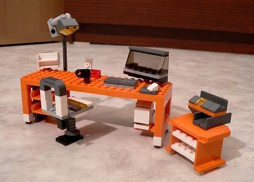 LEGO 7991 alternate MOC: Office Desk